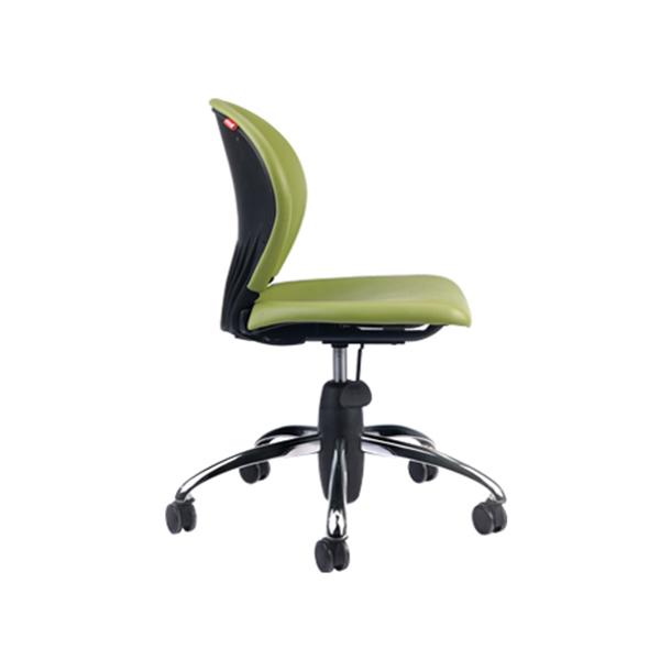 صندلی نیلپر دارای رنگبندی روکش چرم