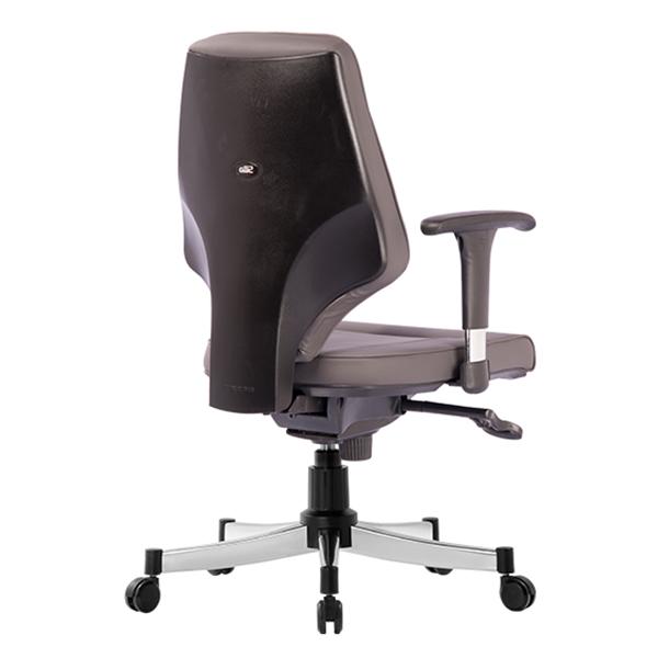 نمای پشت صندلی کامپیوتر